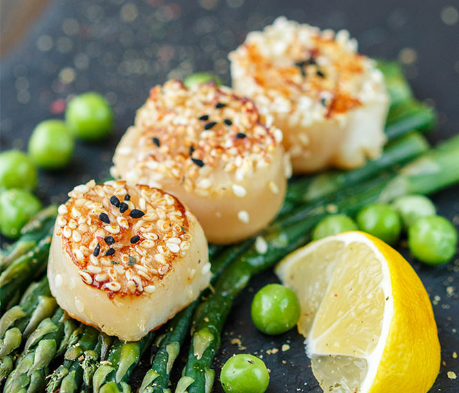 Stir Fried Scallops with Asparagus and Sesame Seeds