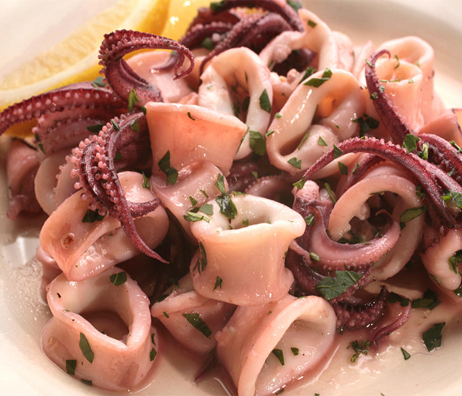 Sautéed Calamari in Garlic Sauce