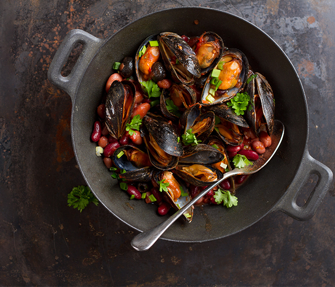 Italian Pasta with Mussels and Beans